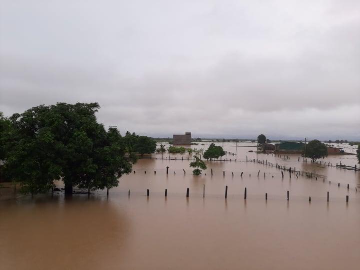 Đắk Lắk: Hàng chục căn nhà chìm trong biển nước do mưa lớn-4