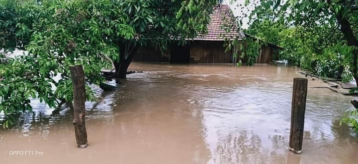 Đắk Lắk: Hàng chục căn nhà chìm trong biển nước do mưa lớn-3