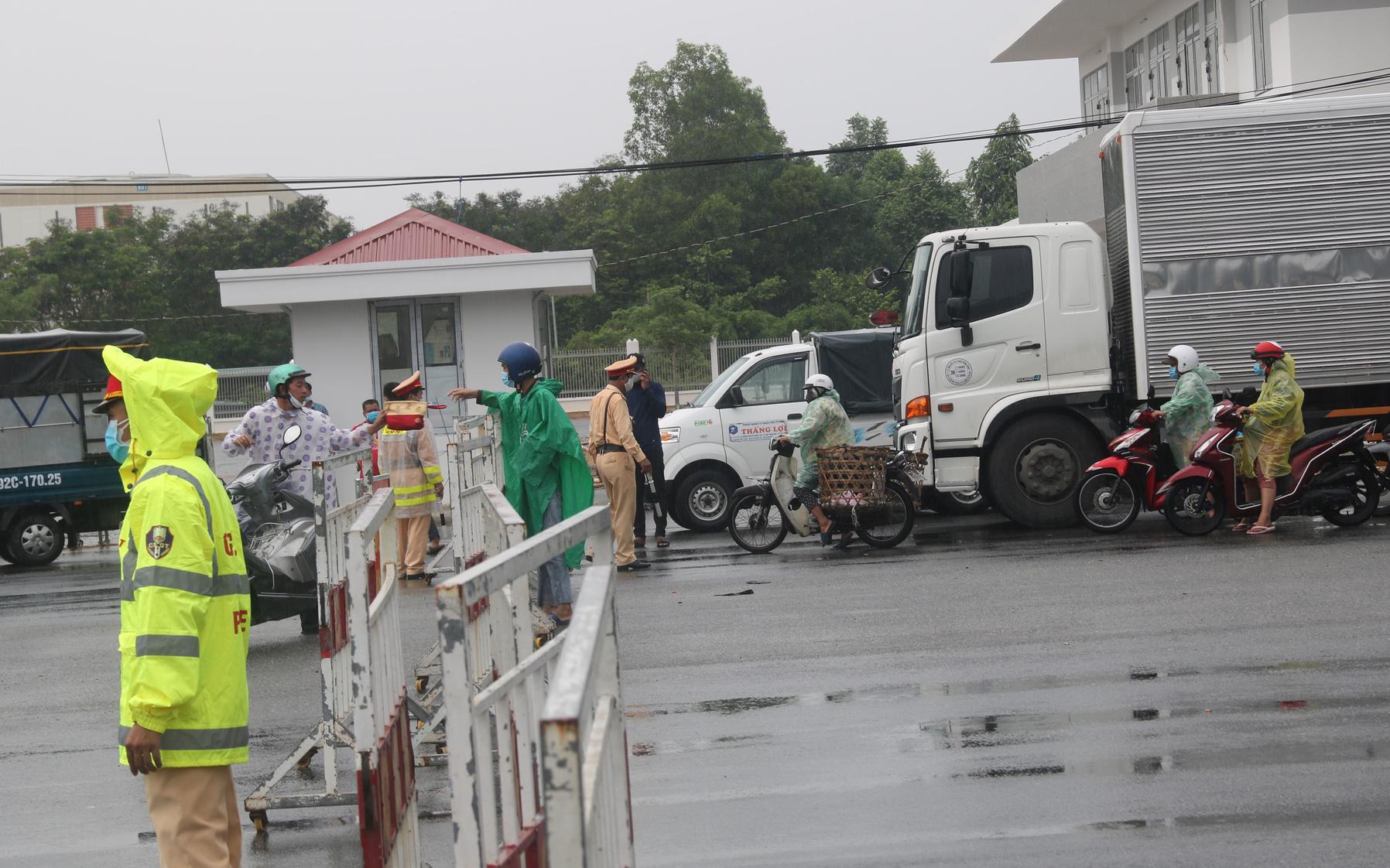 Đà Nẵng lập 8 chốt kiểm soát người và phương tiện ra vào thành phố