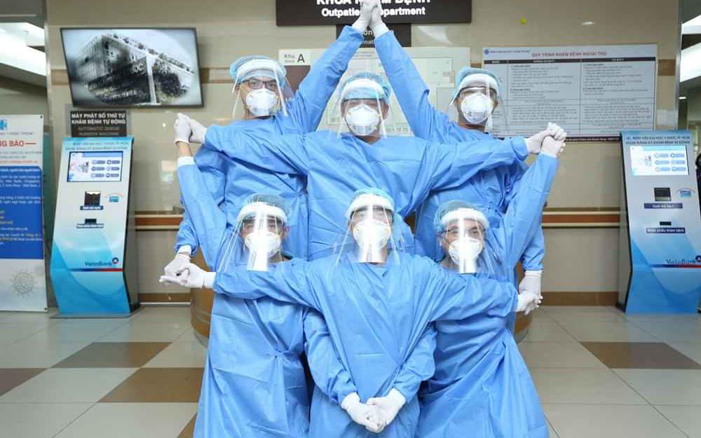Việt Nam đương đầu với Covid-19: Đeo khẩu trang lên và kiên cường chiến đấu, chúng ta sẽ chiến thắng dịch bệnh thôi!