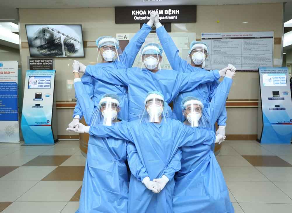 Việt Nam đương đầu với Covid-19: Đeo khẩu trang lên và kiên cường chiến đấu, chúng ta sẽ chiến thắng dịch bệnh thôi!-10