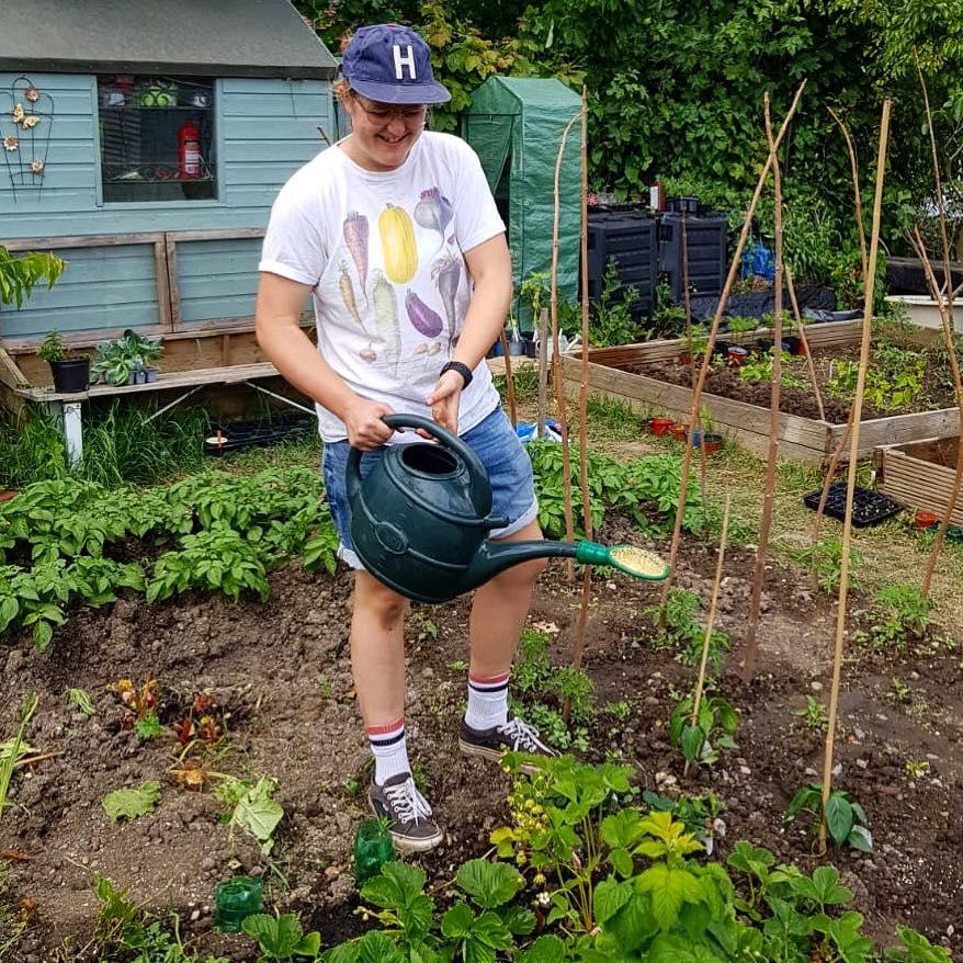 Khu vườn của cô gái xinh đẹp 23 tuổi quyết dành cả thanh xuân để trồng rau quả sạch-10