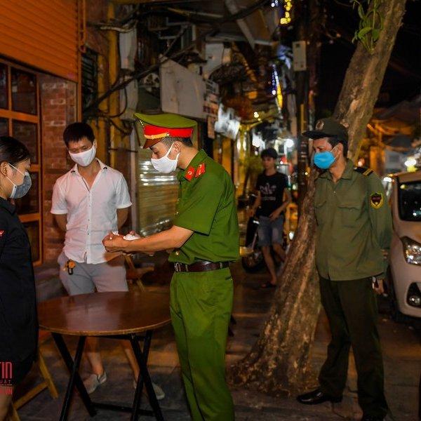 Hà Nội: Chính thức đóng toàn bộ quán bar, karaoke, hàng quán vỉa hè