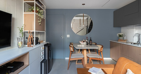 Căn hộ 44m² với tông màu gỗ xám đẹp vượt thời gian ai ngắm cũng mê