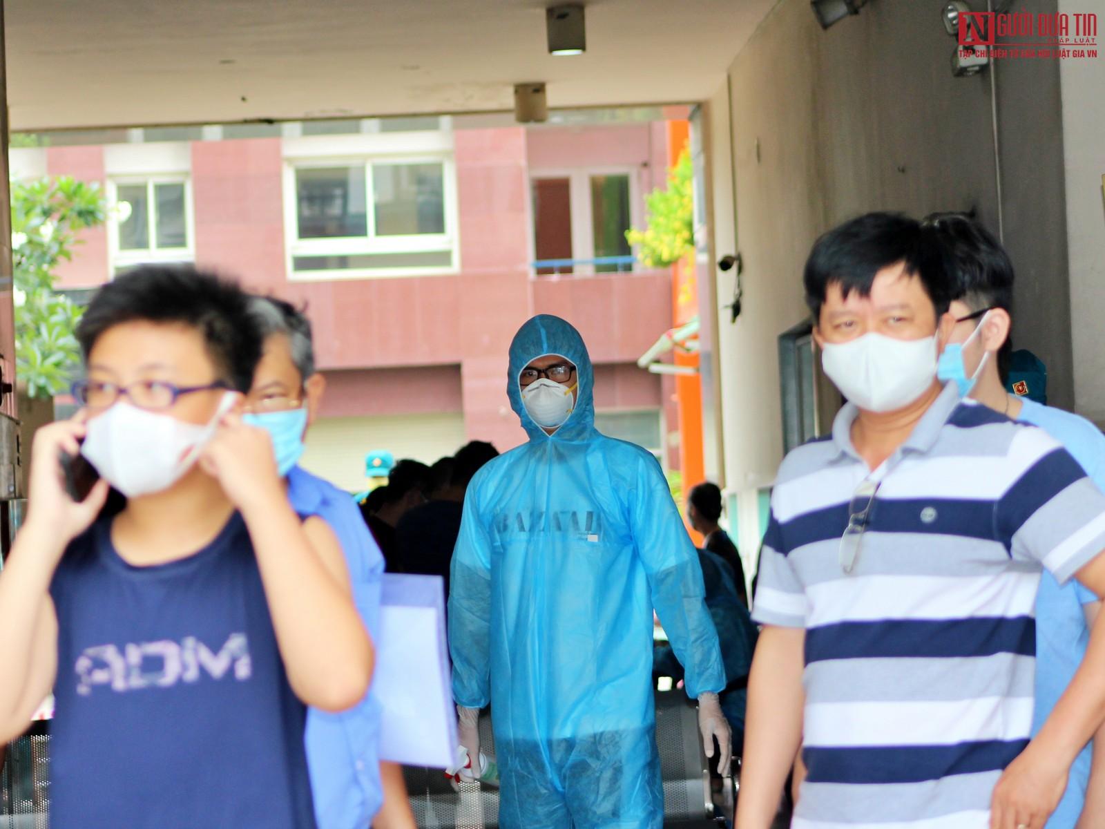 TP.HCM: Xét nghiệm hơn 300 người tại chung cư vì ca nghi nhiễm Covid-19-3