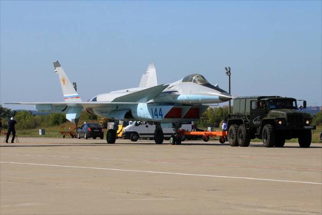 Con lai của Su và MiG, tiêm kích thế hệ 6 của Nga sẽ thế nào: Chấp tất mọi đối thủ?-8