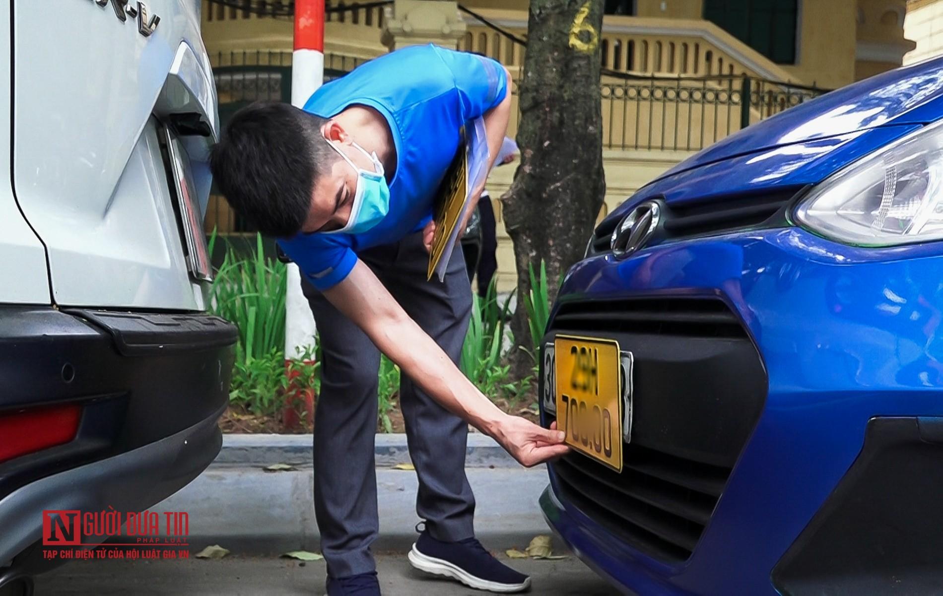 Lộ diện biển số màu vàng cho xe ô tô kinh doanh dịch vụ-9