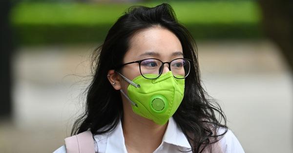 Chống gian lận thi cử do đeo khẩu trang, Hà Nội sẽ phát khẩu trang mới cho thí sinh bên trong trường thi
