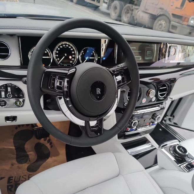 Đẳng cấp 'chơi' Rolls-Royce Phantom của nhà giàu Việt: Hàng siêu hiếm, siêu độc trên thế giới-8