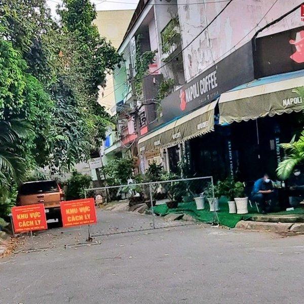 TP.HCM tiếp tục cách ly một khu dân cư tại quận Tân Phú vì có ca nghi nhiễm Covid-19