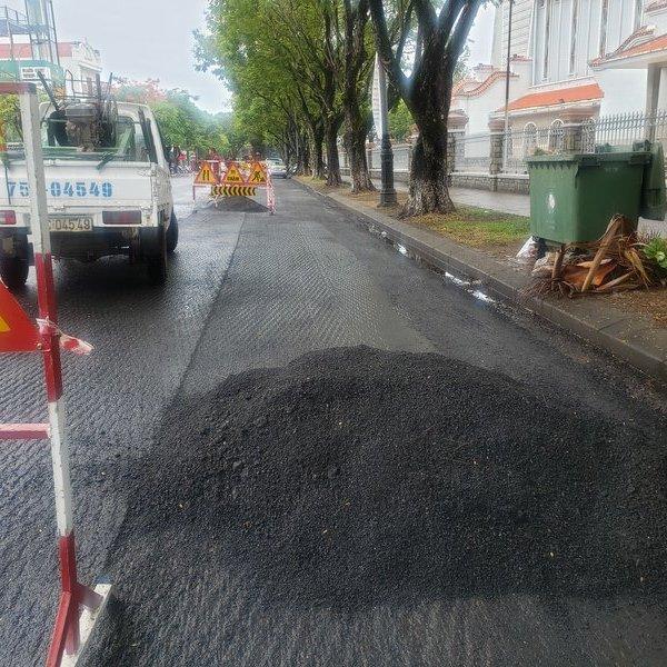 Vụ rải thảm nhựa giữa mưa ở Huế: Bóc lên làm lại!
