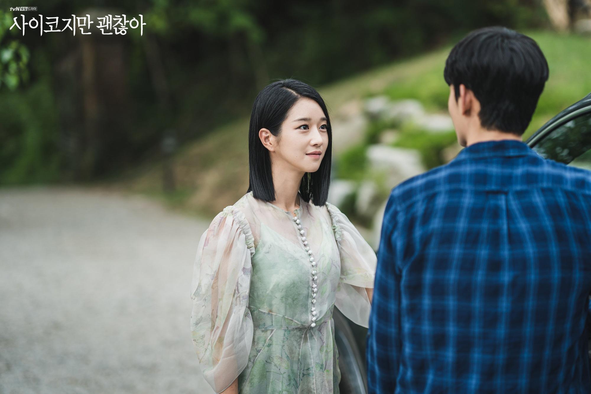 Seo Ye Ji biến hóa khôn lường với 5 kiểu cực sang khi để tóc bob, chị em học theo thì dễ ăn điểm xịn mịn-2