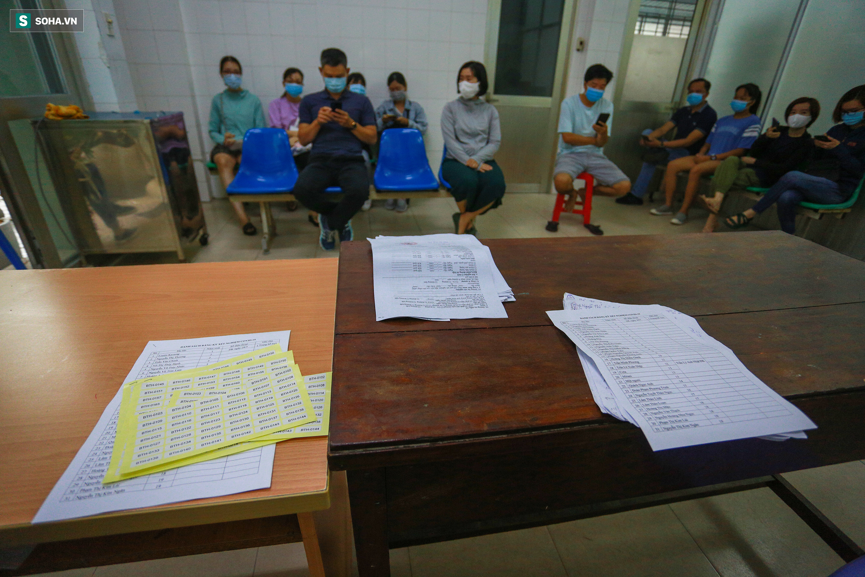 [ẢNH] Bên trong khu xét nghiệm Covid-19 cho người từ Đà Nẵng trở về TP HCM-2