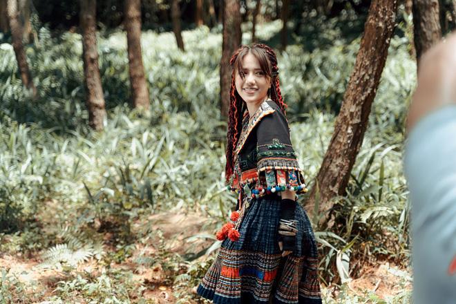 Phùng Khánh Linh tái xuất, tập nhảy tới móng chân tóe máu-2