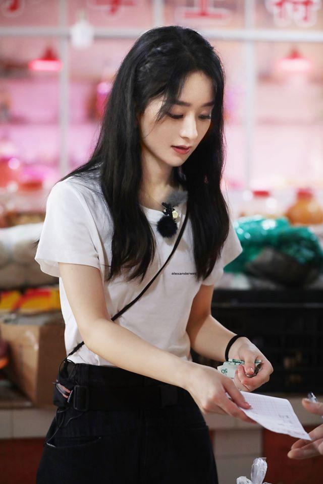 Nhà hàng Trung Hoa 4: Loạt ảnh góc nghiêng tuyệt đẹp của Triệu Lệ Dĩnh, khóc trên truyền hình mà không cho ai biết -9