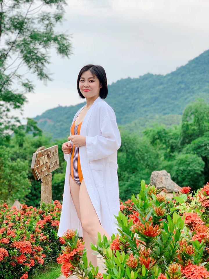 Lộ ảnh bụng to bất thường, MC Hoàng Linh bị nghi đã có tin vui sau khi tái hôn với đồng nghiệp VTV -2