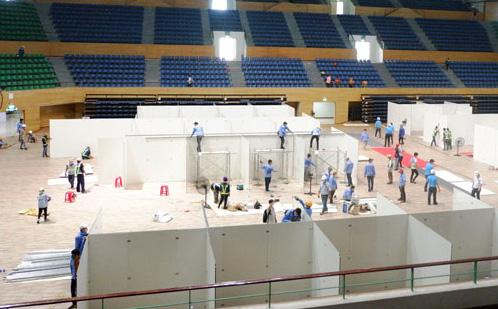 'Thần tốc' hoàn thiện bệnh viện dã chiến 300 giường trong nhà thi đấu Cung Thể thao ở Đà Nẵng
