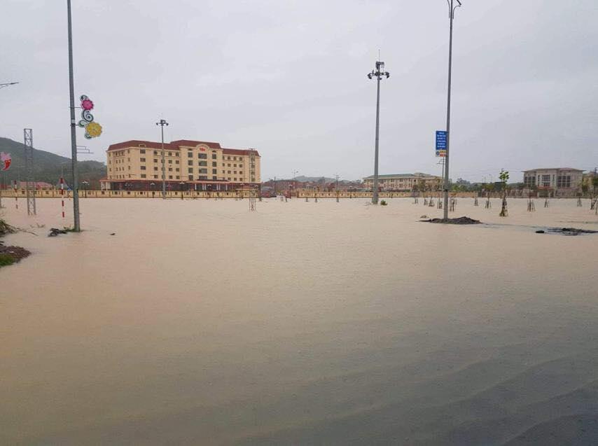 Hà Tĩnh: Sai sót trong lập đồ án, Trung tâm hành chính huyện Kỳ Anh ngập trong nước sau cơn mưa-1