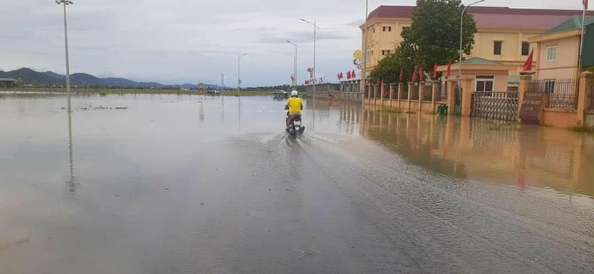 Hà Tĩnh: Sai sót trong lập đồ án, Trung tâm hành chính huyện Kỳ Anh ngập trong nước sau cơn mưa-3