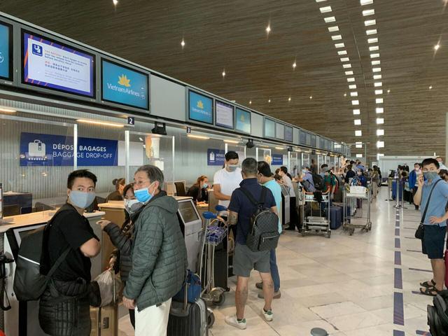 Liên tiếp các chuyên bay đưa công dân Việt Nam từ các nước châu Âu, châu Phi, châu Á về nước-2