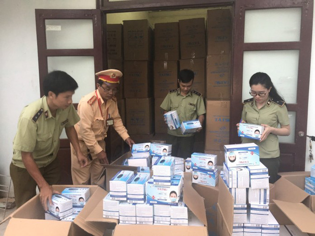 Quảng Bình: Phát hiện gần 1 triệu khẩu trang y tế không rõ nguồn gốc-1