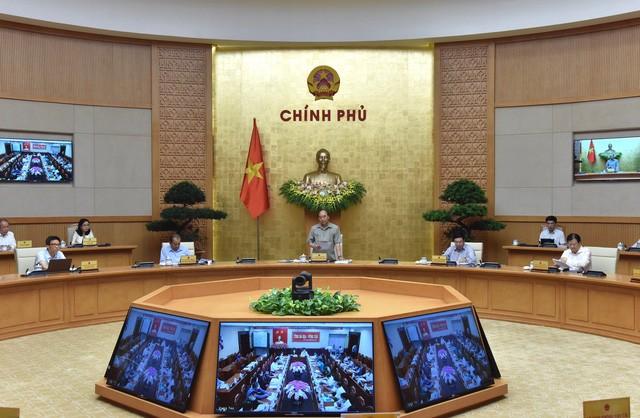 Thủ tướng chủ trì họp trực tuyến với các địa phương về phòng chống dịch COVID-19-1