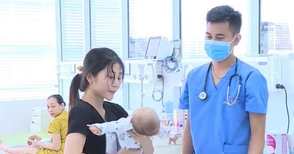 Bé 29 ngày tuổi bị sốc nhiễm khuẩn do mẹ sắc thuốc nam uống để chữa sốt cho con