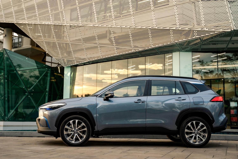 Toyota Corolla Cross cập bến thị trường Việt Nam: giá bán và trang bị cạnh tranh                                            -2