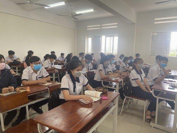 Thí sinh F1, F2 của ca nhiễm Covid-19 tại Đồng Nai sẽ thi Tốt nghiệp THPT 2020 vào đợt 2