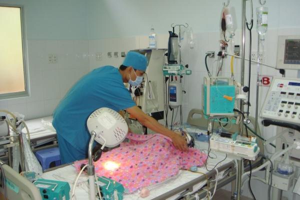 Cách chăm sóc bệnh nhi mắc sốt xuất huyết