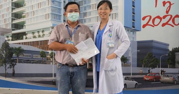 """Xúc động lời nữ bác sĩ nhắn chồng ra Đà Nẵng chống dịch COVID-19: """"Hai con em sẽ lo, mong anh 2 chữ bình an trở về"""