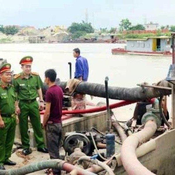 Bình Dương: Phó trưởng công an xã tử vong khi bắt cát tặc