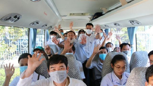 Y bác sĩ Huế đi chi viện Đà Nẵng: 'Môi hở răng lạnh, chưa hết dịch chưa về'