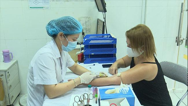 Người mắc Covid-19 đã khỏi bệnh đi hiến huyết tương cứu bệnh nhân mới