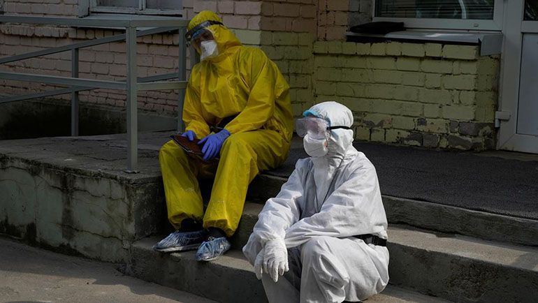 Covid-19: Nga sẽ có vắc-xin trong 2 tuần tới, Uzbekistan dỡ phong toả