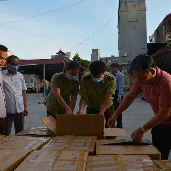 Bắt giữ vụ buôn lậu thuốc lá lớn nhất từ trước đến nay tại Hưng Yên