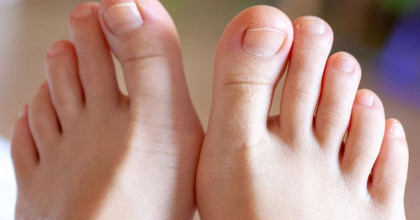Muốn biết tuổi thọ bản thân hãy nhìn xuống bàn chân: Nếu có 2 dấu hiệu này, bạn là người tuổi thọ kém, nhiều bệnh tật