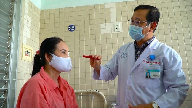 Hai bệnh nhân tìm lại ánh sáng nhờ giác mạc từ người hiến tặng chết não