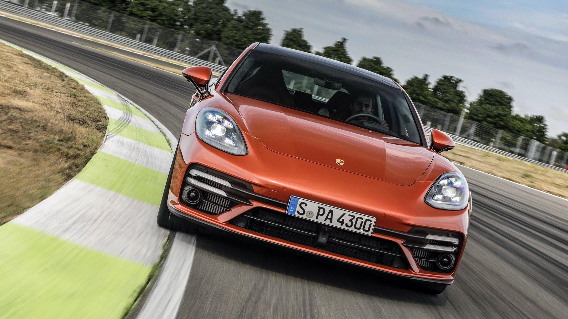 Porsche Panamera 2021 ra mắt: Những thay đổi lớn nằm dưới nắp động cơ