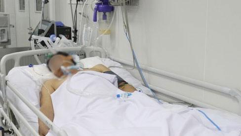 Bệnh nhân ở Bình Dương phải thay huyết tương đến 5 lần vì ngộ độc khi ăn pate Minh Chay mua qua mạng dù phát hiện có vị chua