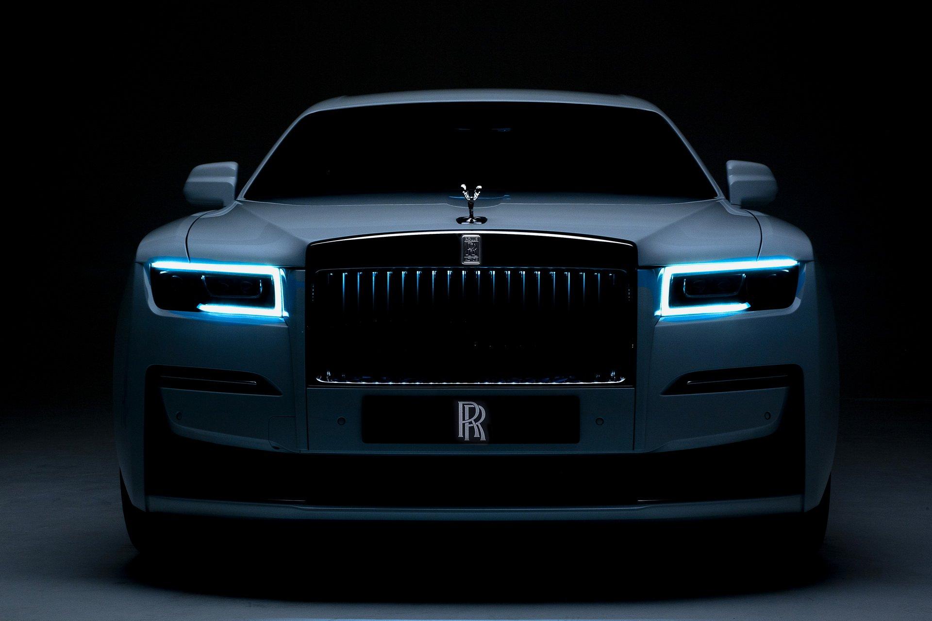 Rolls-Royce Ghost 2021 trình làng: Vẻ đẹp ma mị, lưới tản nhiệt là điểm nhấn