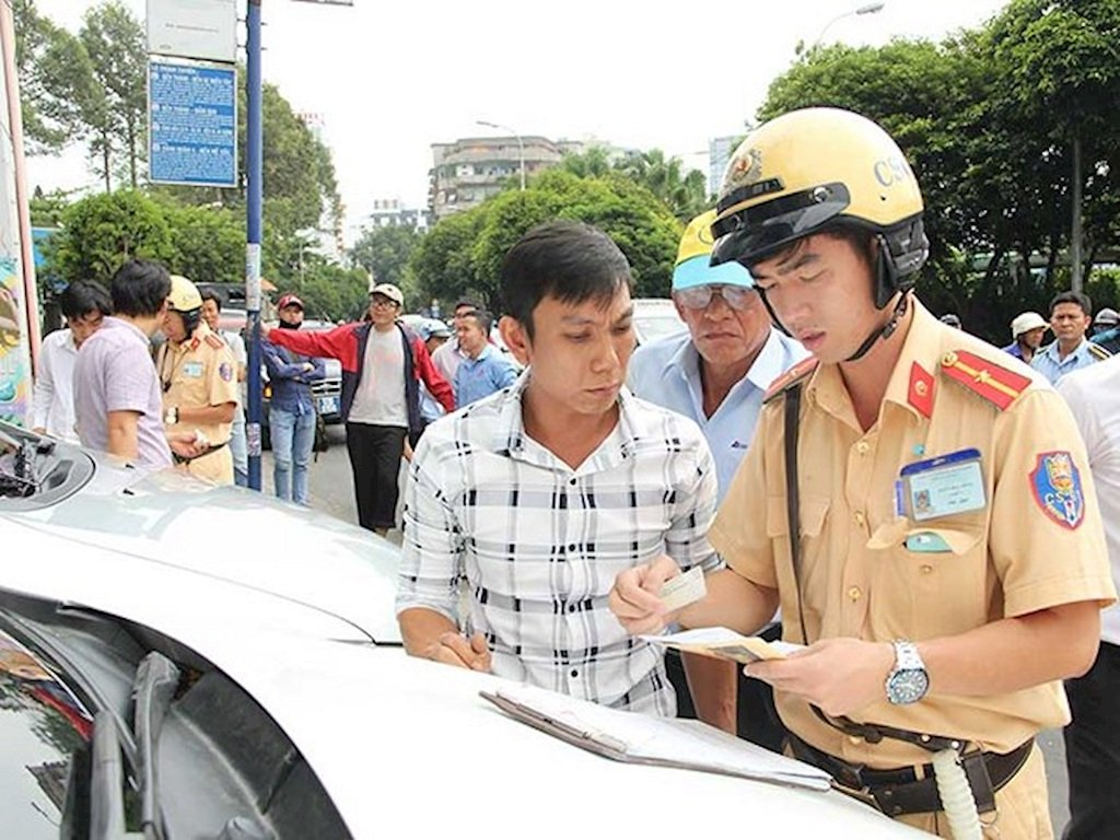 28 lỗi vi phạm sẽ bị trừ điểm trên bằng lái xe