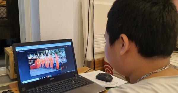 Học sinh ở Đà Nẵng chào năm học mới trên sóng truyền hình và website của nhà trường