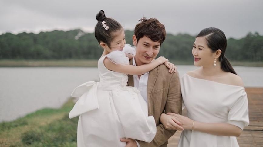 Huy Khánh: 'Anh Thư từng bị bạn bè doạ nghỉ chơi, từ mặt nếu cưới tôi'