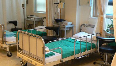 Vào bệnh viện đừng bao giờ chạm tay vào đồ vật này vì chúng chứa