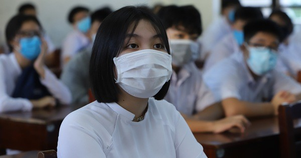 Hàng nghìn học sinh ở Đà Nẵng bắt đầu trở lại trường học