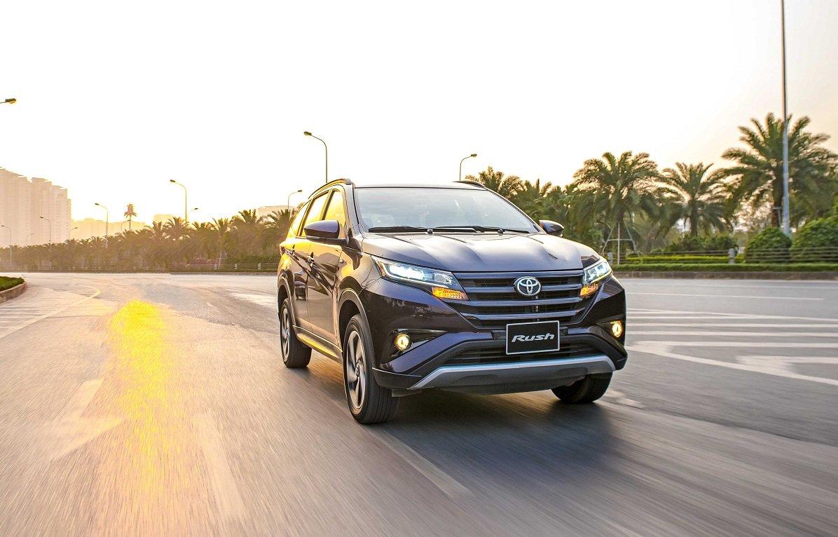Toyota Rush giảm giá bán lẻ, tăng sức cạnh tranh với Mitsubishi Xpander