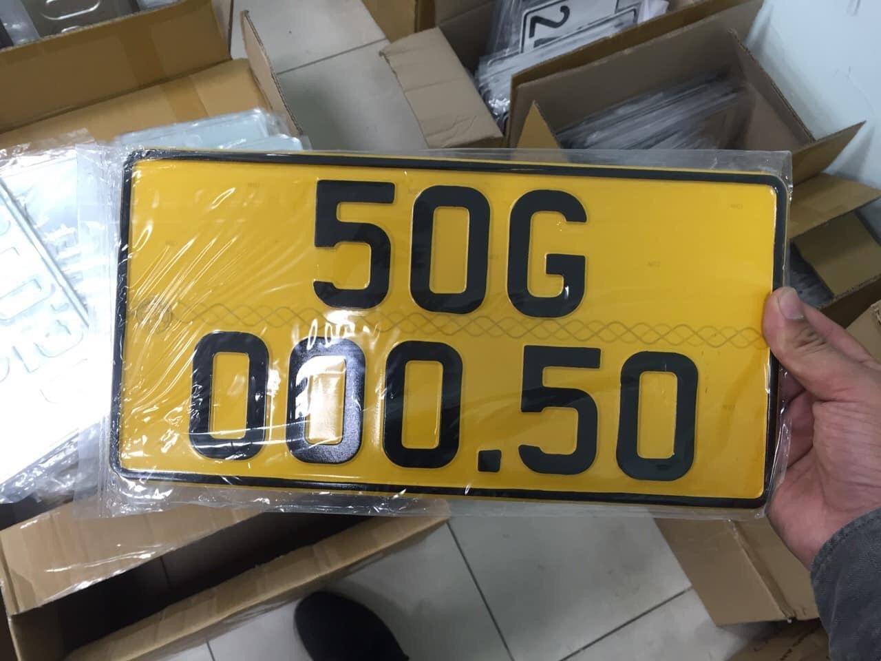 Đổi biển số xe màu vàng có được giữ nguyên số hay không?
