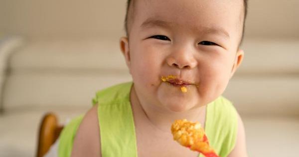 Bác sĩ Nhi chỉ rõ nguyên nhân khiến trẻ biếng ăn, không ít bố mẹ Việt vẫn đang cho con ăn theo kiểu này
