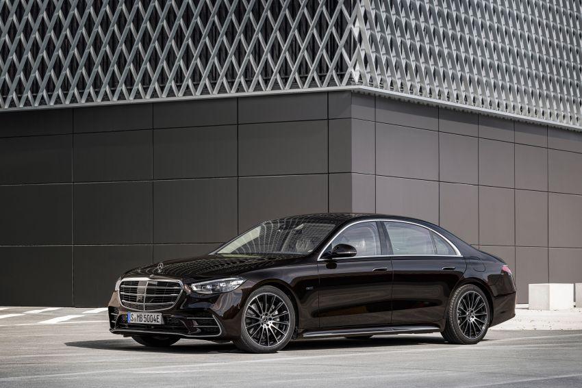 Cuối cùng, Mercedes S-Class 2021 cũng hé lộ giá bán